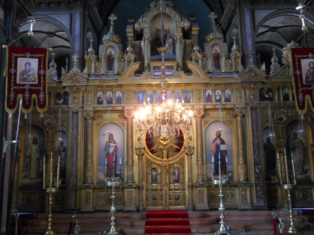 Bulgar Kilisesinin İçerisi...