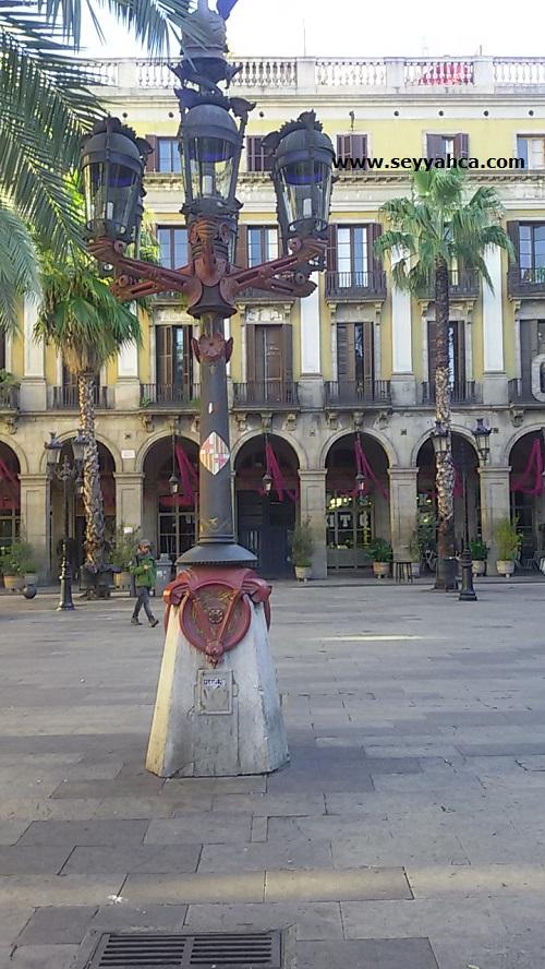 Reial Meydanı- Barselona