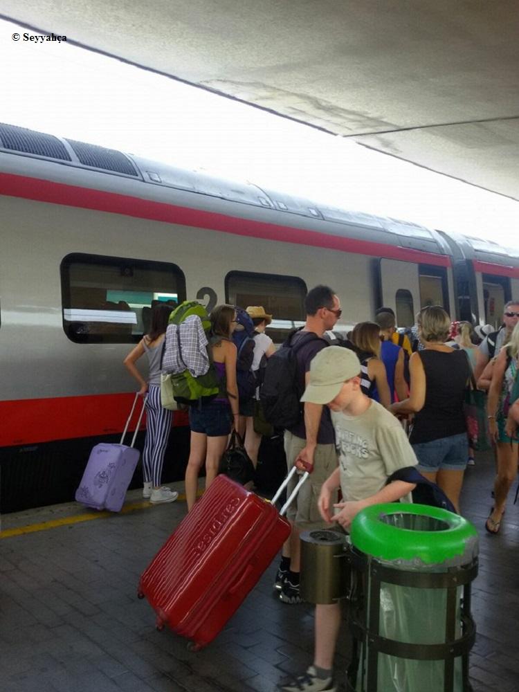 Roma- Floransa Treni