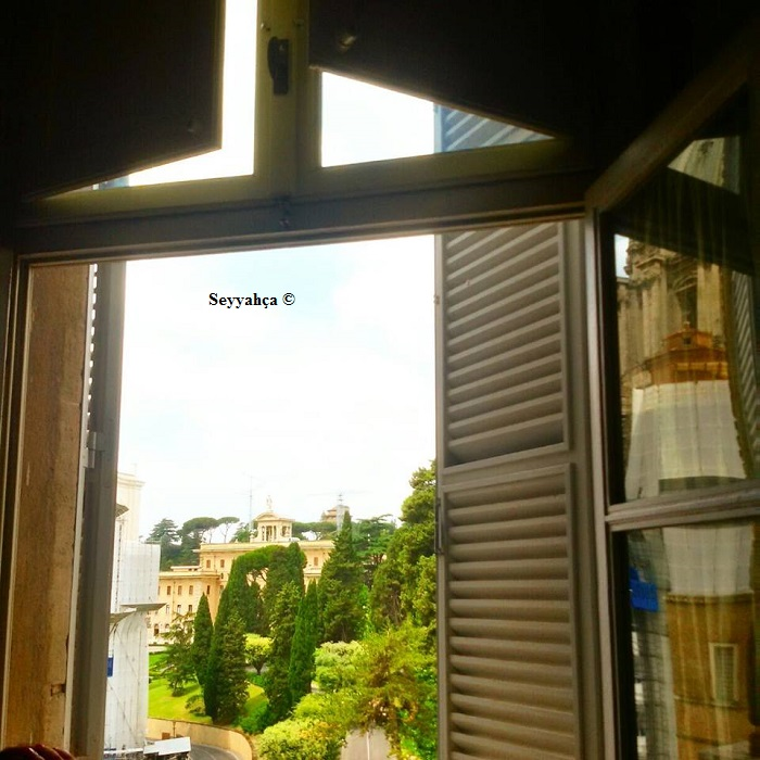 Vatikan'a Açılan Pencere :)