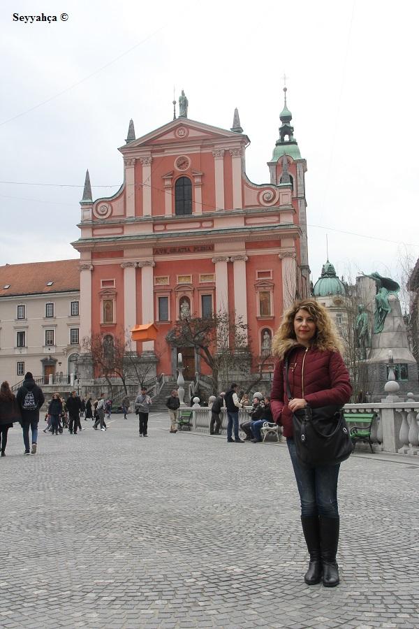 Pembe Kilise- Ljubljana