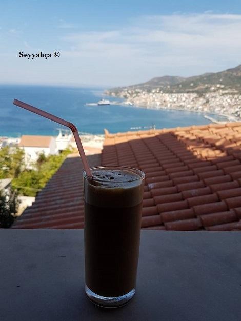 Ben yaza yaz demem, Yunanistan'da denize karşı bir frape içmedikten sonra :)