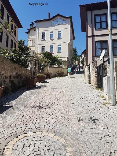 Arnavut Kaldırımlı Sokaklardaki Eski Ünye Evleri...