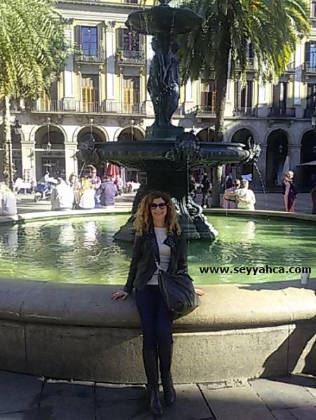 Seyyahça, Barselona Reial Meydanı'nda...